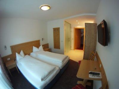 Doppelzimmer 03